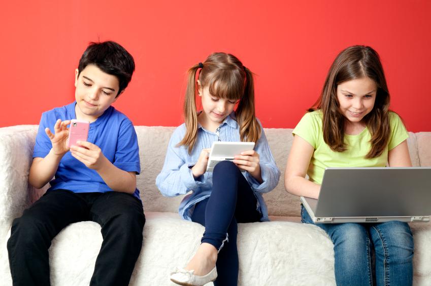 استفاده کودکان از موبایل اِلـبان