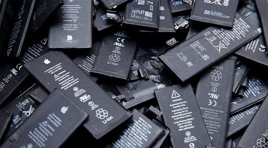 تعویض باتری گوشی در تعمیرات موبایل البان