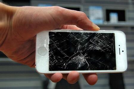 تعویض ال سی دی آیفون در تعمیرات موبایل البان